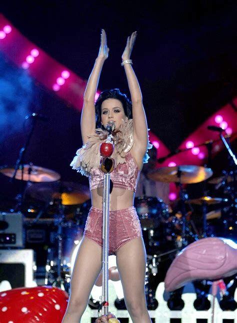 Bildergebnis für Katy Perry Full Body Shown