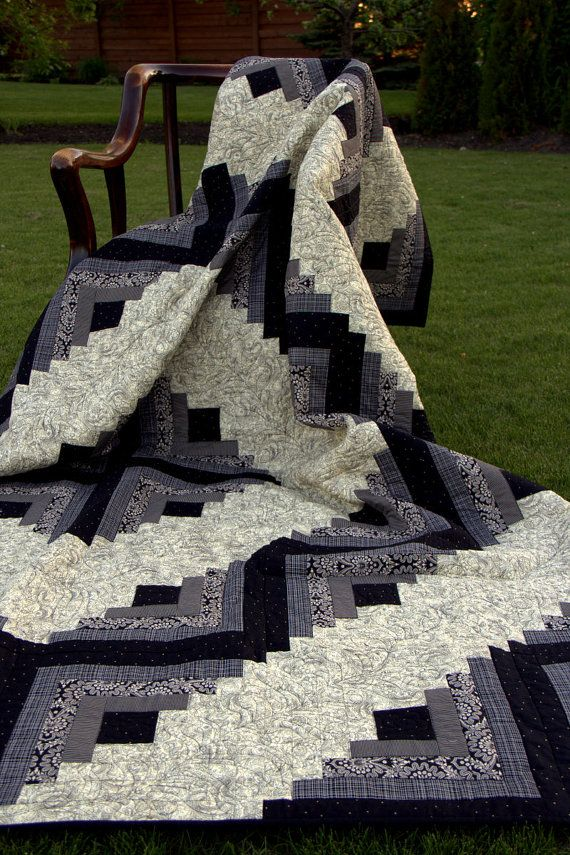 Log Cabin quilt in Black and Cream.  Traditional by HouseofdeVeer