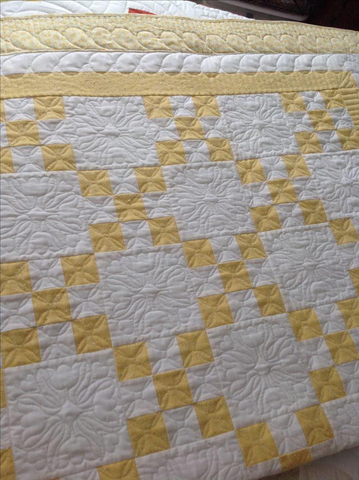 Irish Quilting Patterns : Best 20+ Irish chain quilt ideas on Pinterest 4 patch quilt, Baby quilt patterns and Patchwork ...