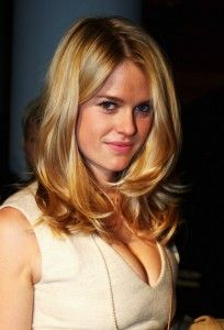 Alice Eve.  Swingy, soft layers