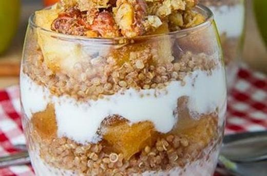 Apple Crumble Quinoa Parfait | Food to try | Pinterest