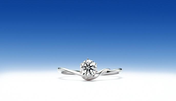 青星「あおぼし」    青星は(シリウス)は、おおいぬ座で最も明るい恒星。  太陽を除けば地球上から見える最も明るい恒星。  オリオン座のベテルギウス、こいぬ座のプロキオンともに、冬の大三角を形成し、  冬のダイヤモンドを形成する恒星の1つでもある。  最も明るい恒星の如く、リングの中心に位置する彼女(ダイヤモンド)の笑顔を輝かせたいから・・・青星。