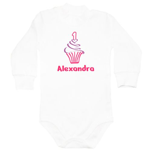 Body bebe 1 an Briosa    Body bebe personalizat cu  cifra 1 pe o briosa, pentru bebelusii care sarbatoresc implinirea varstei de un anisor. Scrieti numele bebelusului sau bebelusei. Textul va avea aceasi nuanta cu cea a cifrei 1