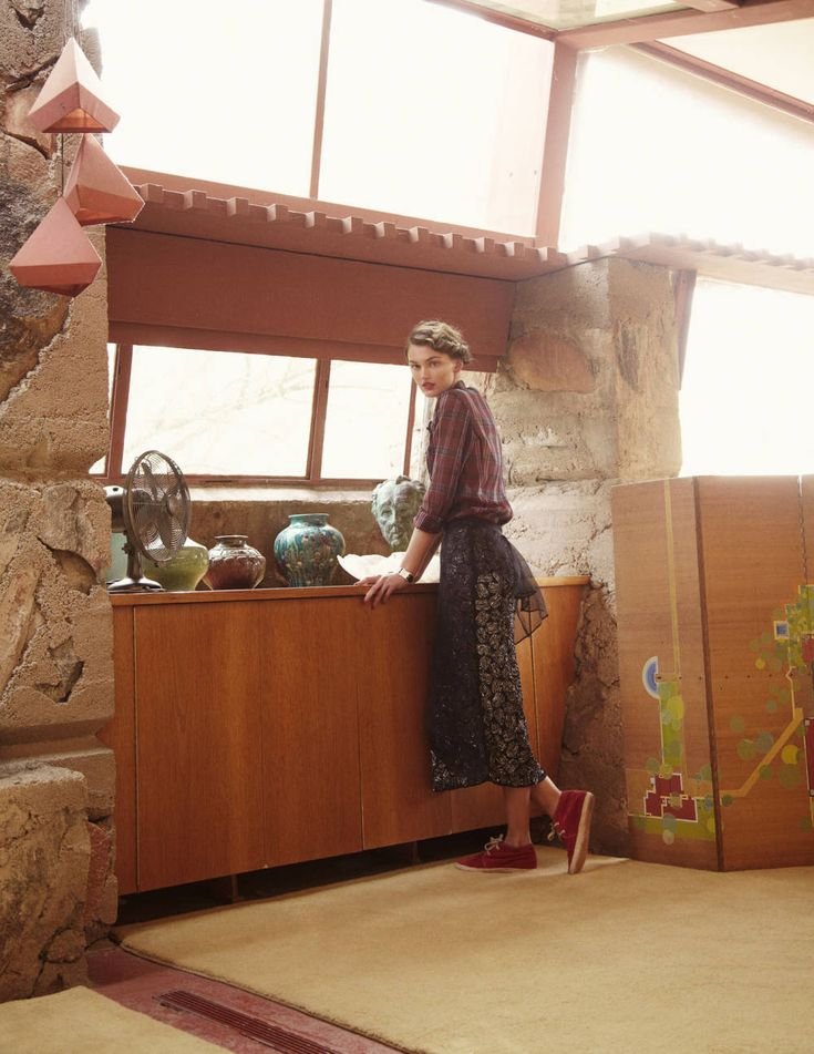 Arts and Crafts Style - in clothing and home decoration! Love. Frank Lloyd Wright's Taliesin West - Spring 2013 Clothing - Town & Country Magazine