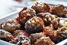 Grekiska köttbullar i tomatsås - Ett recept från Mat&Mera