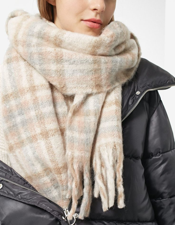 Checked scarf - All | Stradivarius Ukraine