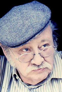 """Adolf Gustav Rupprecht Maximilian """"Gustl"""" Bayrhammer(*12. Februar 1922inMünchen; †24. April1993inKrailling) war eindeutscher Schauspieler. Besondere Beliebtheit erlangte er durch seine Rollen als bayerischerVolksschauspieler."""