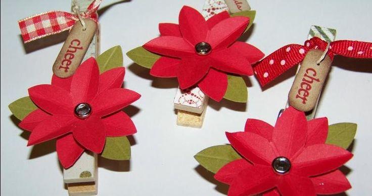 Decoração natalina feita com prendedores de roupas Pensando em fazer sua própria decoração de natal este ano ? Então você vai gostar b...