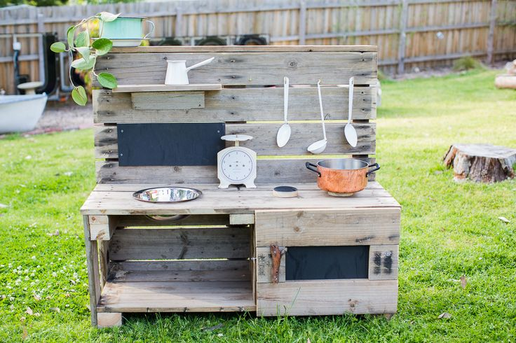 Castle and Cubby Mud Kitchen with oven