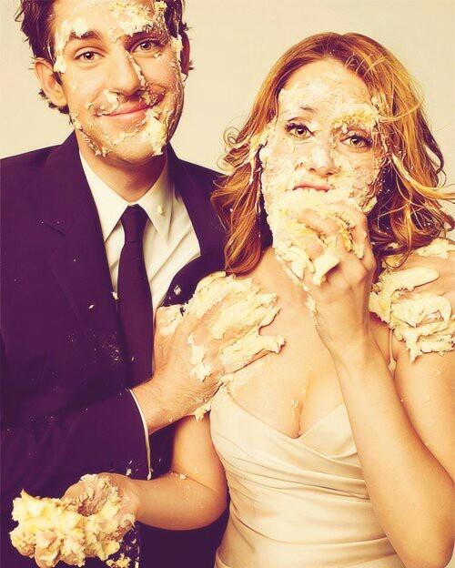 ファーストバイトの思い出を記念に残そう!ウェディングのファーストバイトの写真は結婚式の大切な思い出。記念に残したいブライダルフォトの一覧をまとめました♪
