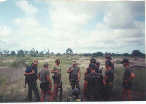 Executive Outcomes Recce`s giving RPG7 drills 1994