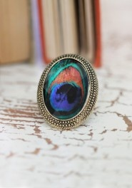 Can't stress enough the power of a cocktail ring! It'll give you something pretty to look at throughout the day and start a few conversations!