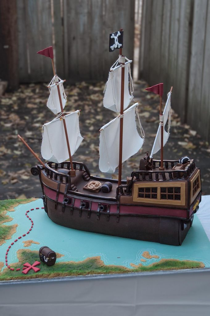 https://flic.kr/p/8TMhrD | Pirate Ship Cake Profile View