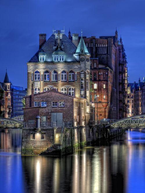 Blaue Stunde, Hamburg, Germany