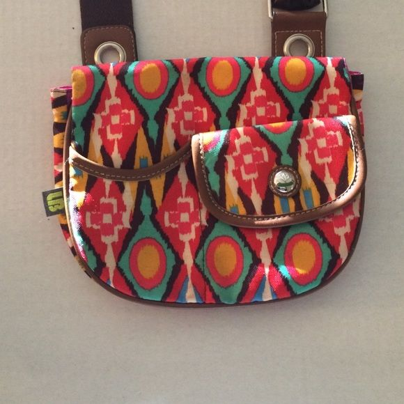 Lily Bloom Purse Adorable lily bloom purse.  Can be crossbody if you want.  Barely used perfect condition. Lily Bloom Bags