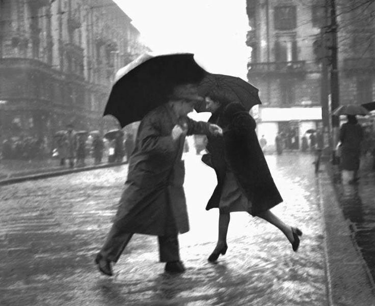 #Milan #rain #old #pic