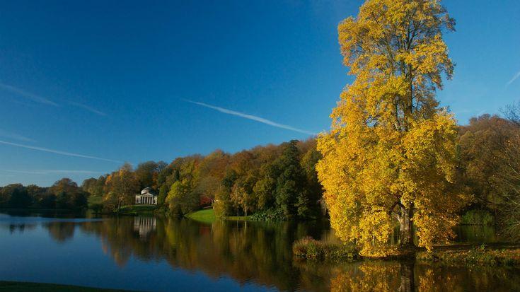 In autumn Stourhead garden is truly spectacular © Allan King