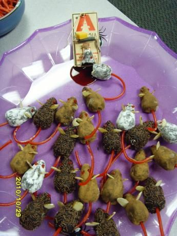 Chocolate Halloween Mice from Food.com: Kids will love these and they are fun to make