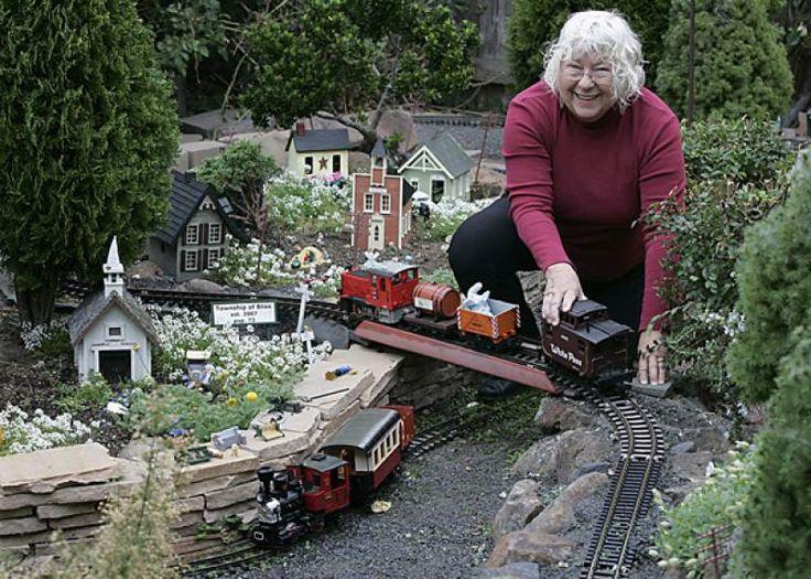 916 best Garden Trains images on Pinterest Toy trains Model