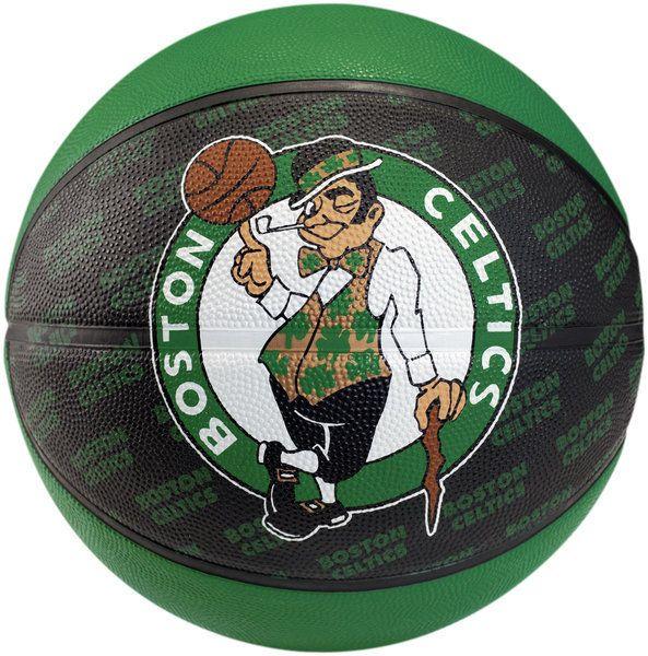 Balón Spalding Boston Celtics, de goma de alta calidad para uso interior y exterior, con el diseño exclusivo del equipo de la NBA, los Boston Celtics. Un gran regalo para todos los aficionados al baloncesto. Talla 7 www.basketspirit.com/Balones