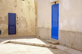 #Blue #doors in #Marettimo, the biggest of #Aegadi #Islands. Our #B&B Belveliero is in #Trapani port, in front of hidrofloils, ready to go to #Egadi bebtrapanilveliero.it