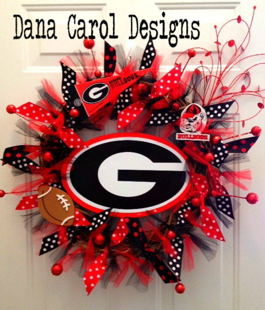 University of georgia bulldog team spirit wreath wall for Georgia bulldog bedroom ideas