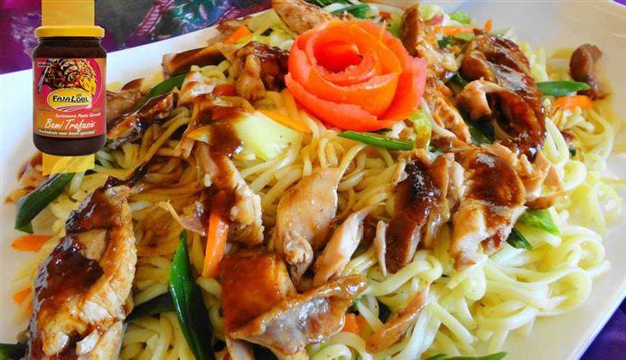 Surinaams eten – Garlic Bami Grilled Honey Chicken (knoflook bami met gegrilde honing kip)