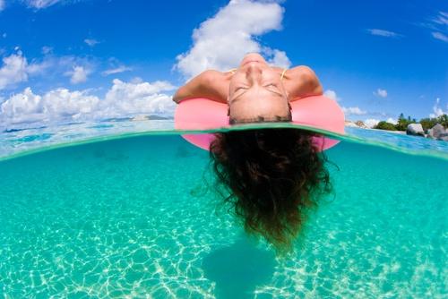 Karayip Denizi'nde bulunan Virgin Adaları. Mutluluk böyle bir şey mi sizce de? :)