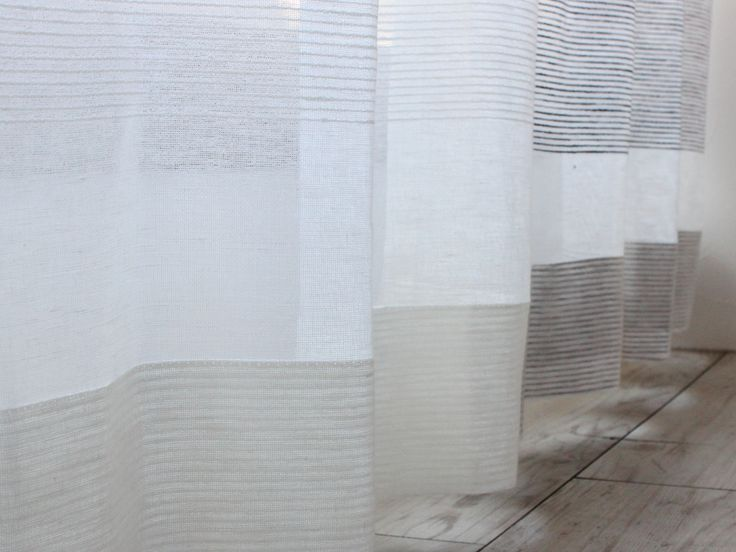 リトアニアリネン オーダーレースカーテン 【 ラーニョ 】 大胆な太めのボーダーがアクセントのリトアニア産の綿麻レースカーテン。ベースは綿素材で、ボーダーの部分はヨコ糸に麻素材を使用し生地に凹凸感があります。 ナチュラルでありながら、重厚感がありとってもおしゃれなレースカーテン!
