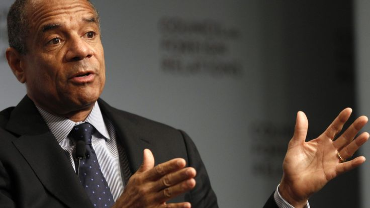 nice Facebook names Amex CEO Kenneth Chenault to its board, making him its first black member