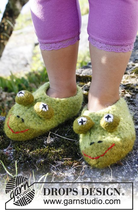 Free pattern: Felted DROPS frog slippers in ?Eskimo?. ~ # ...