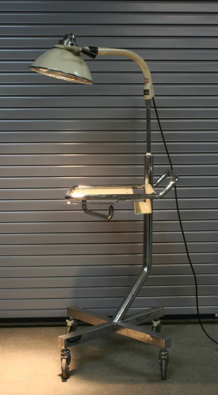 Operating Room Design: Surgical Lamp With Tray - 50005027