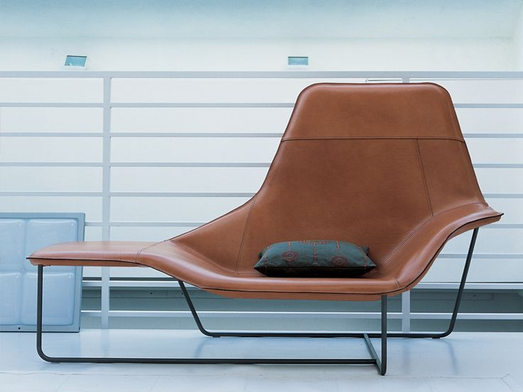 Zanotta's Lama armchair. Available at Showroom MOOD, Warsaw. #mood #zanotta #chair #leatherchair #leather #modern