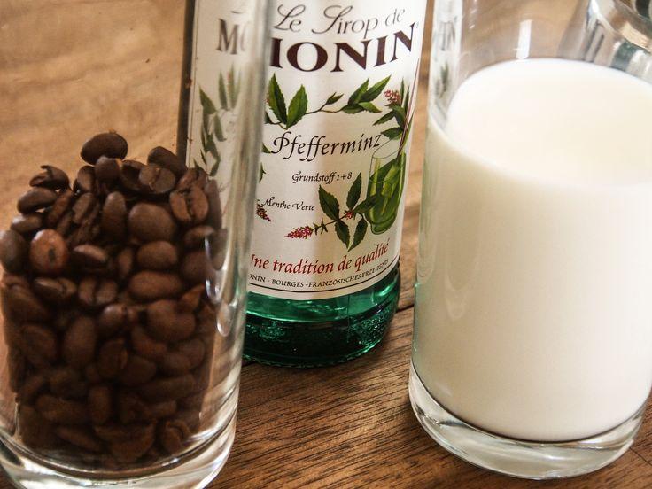 "Rezept: Der Latte ""Hulkiato"" – Latte Macchiato mit Pfefferminzsirup"