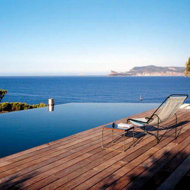 Une piscine qui se fond dans l'horizon - Marie Claire Maison