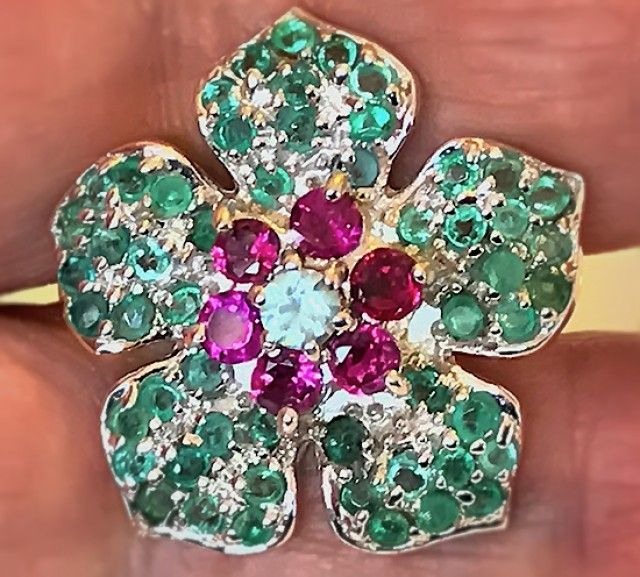A MAGNIFICENT Emerald Garnet Zircon Ring Size 8