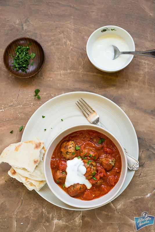 Koftas in tomato sauce / Kofty w sosie pomidorowym