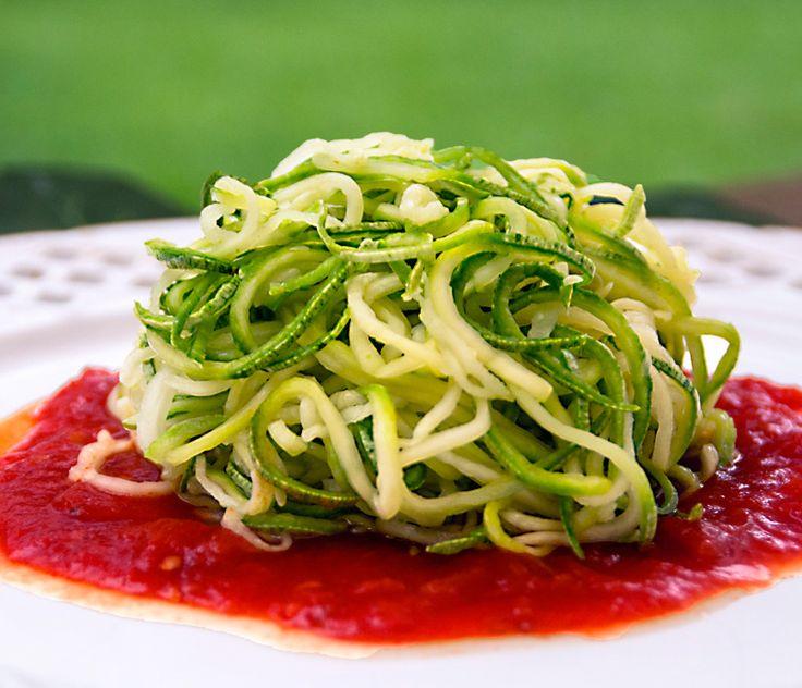 Um milhão de dicas: espaguete de abobrinha - Lucilia Diniz Usar espaguete casarão, para ser sem glúten.