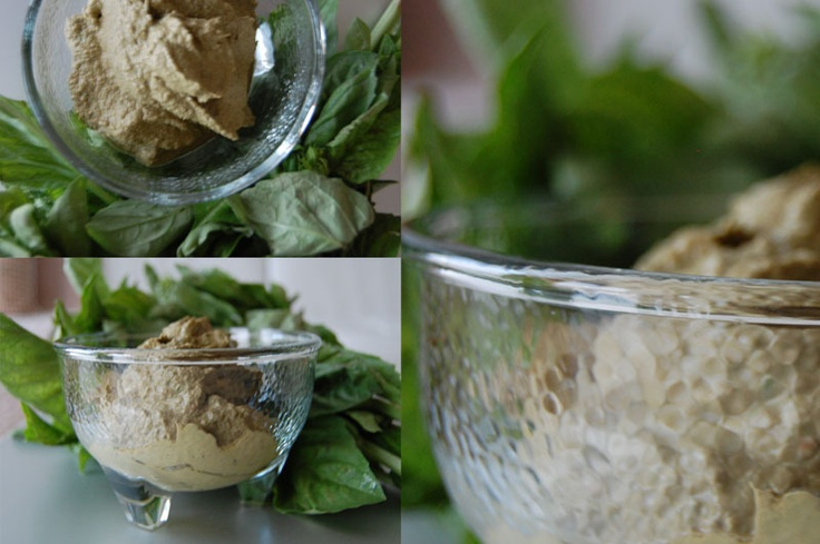 Raw Walnut & Basil Pesto