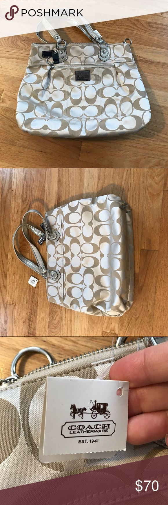 Coach Poppy Purse Brand new Coach purse! Still has the tags! Perfect for going out and doing errands. Can fit small laptop or tablet! Beige with pink interior. Coach Bags Totes