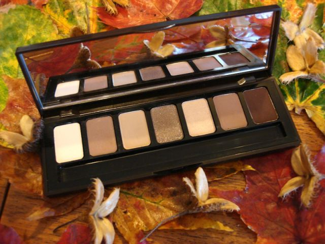 Bobbi Brown rich chocolate eye palette review on my blog;)