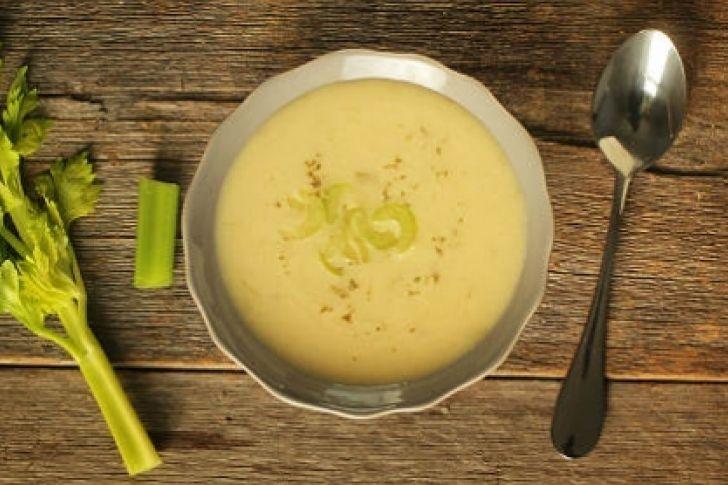 SOPAS.-  SOPA APIO.- Para los que le gusta la comida iberica, Sopa de apio España,.-http://informe21.com/gastronomia/para-los-que-le-gusta-la-comida-iberica-sopa-de-apio-espana