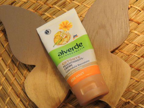 Herbivor braucht auf: Teint  Im Test - getönte Feuchtigkeitscreme von Alverde #vegan