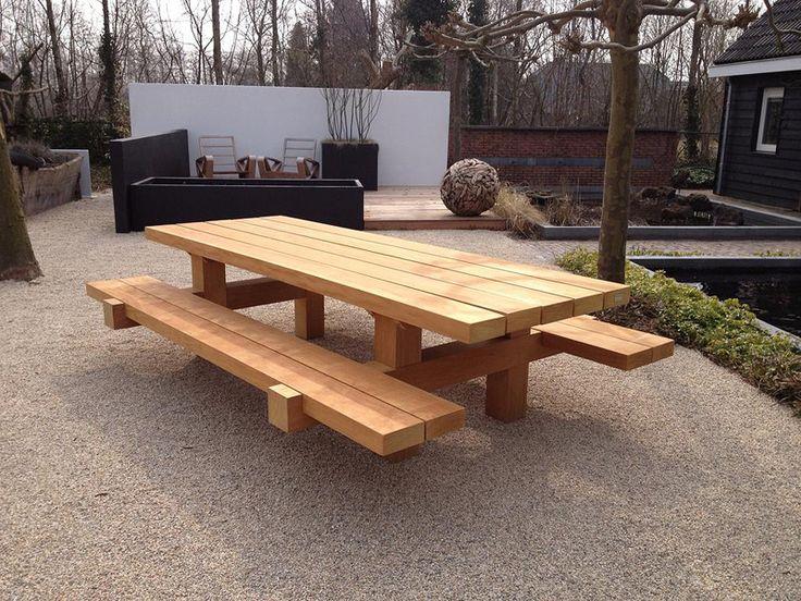 Stoere houten tafels