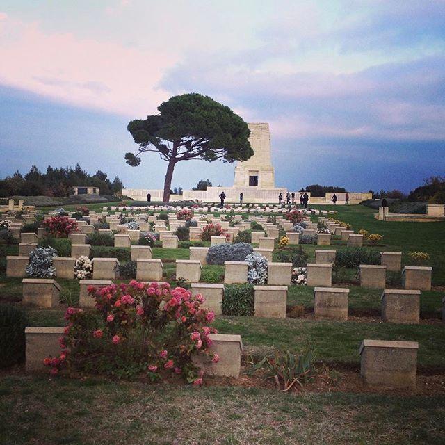 📸: Lone Pine, Gallipoli. A humbling place to pay respects to our ANZACs 🇦🇺🇳🇿 www.thegirlswhowander.com #thegirlswhowander #gallipoli #anzac #lonepine #turkey #lestweforget #traveltalktours #girlsborntotravel #backpacker #LiveIntrepid #wannagohere #passportcollective #instatravel #photooftheday #picoftheday #travel #blogoftheweek #linkinbio
