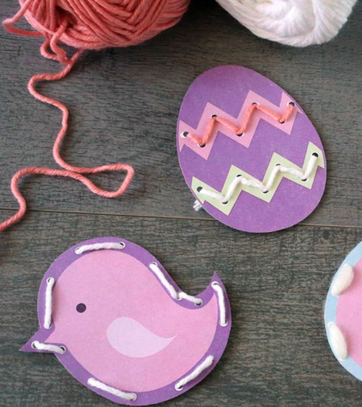 Whether you're taking a road trip or staying home this Easter, entertain the kids with these cute printable lacing cards. They're just the right size for little hands to hold. - Everyday Dishes & DIY