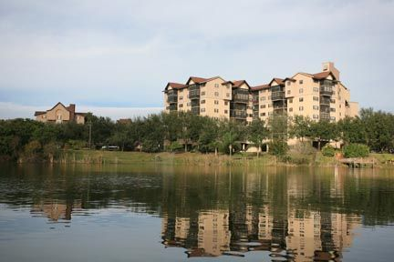 Senior Citizen Housing Features | Tampa Senior Housing and Living