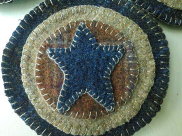 PRIMITIVE STAR Penny Rug Wool Coasters Set of 4. $22.00 USD, via Etsy.