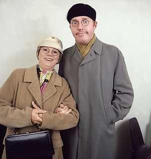 Meneer en mevrouw De Bok, Andre van Duin en Corry van Gorp, hier lachten wij ons gek om de in jaren 70 en 80