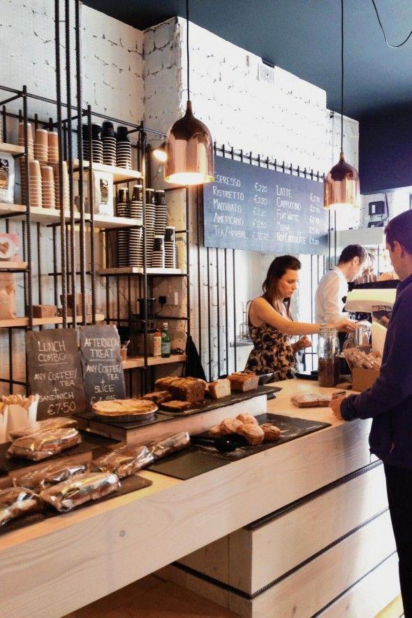 Bear Market Coffee est un coffe Shop situé à Dublin et réalisé par le cabinet d'architecture VAV Architects. L'objectif a été de créer quelque chose de totalement unique en s'adaptant aux contraint...